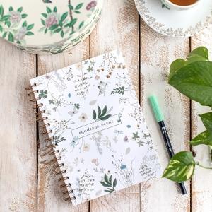 Cuaderno floral verde 17x24cm anillas Mia mandarina